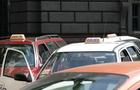 Ужгородського таксиста, який шукав клієнтам повій, взяли під варту