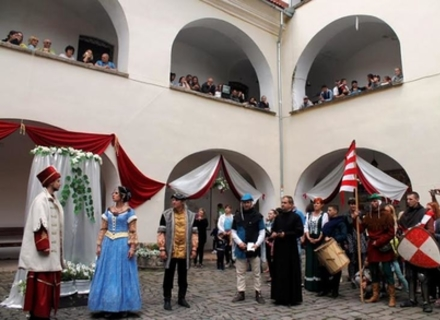 У Мукачівському замку знову відтворять весілля Ілони Зріні та проведуть середньовічні забави (ПРОГРАМА)