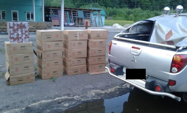 На Закарпатті сигаретних контрабандистів виловлюють вже біля кордону