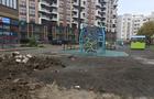 Мер Ужгорода у день тиші урочисто відкривав недобудований дитячий майданчик (ФОТО)