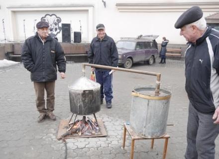 """Як ужгородський фестиваль """"Медовуха-фест"""" був """"не в тему"""""""
