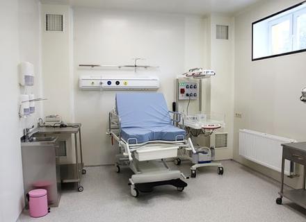 Влада Закарпаття пообіцяла побудувати сучасний перинатальний центр, щоб зупинити материнську смертність