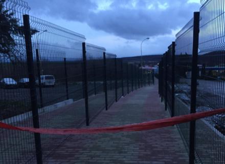 Не там побудували: Стало відомо, чому пішохідний перехід в Ужгороді на держкордоні зі Словаччиною відкрити неможливо