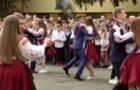 Ужгородські школярі відмовилися від повітряних кульок, натомість висадили дерева