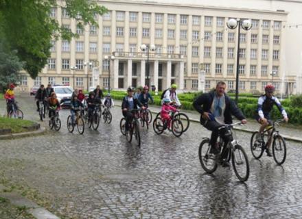 Ужгороді відбувся велозаїзд у вишиванках