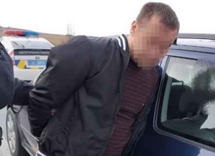 Як поліція затримувала втікача, причетного до трьох автопригод (ВІДЕО)
