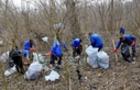 Угорці провели прибирання берегів річки Тиса від закарпатського сміття