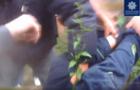 В Ужгороді поліцейські надавали допомогу чоловікові, який впав з другого поверху (Оперативне відео)