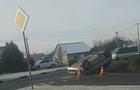 На околиці Ужгорода в результаті зіткнення двох автомобілів один з них перекинувся на дах