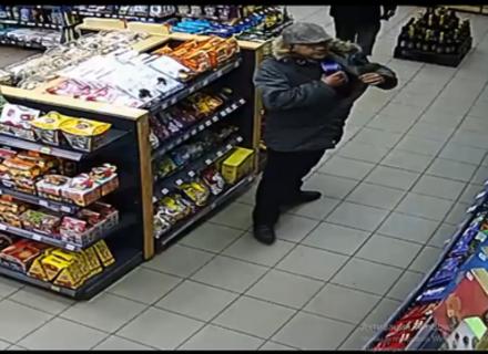 Камери спостереження зафіксували чергового злодія в одному з магазинів Ужгорода (ВІДЕО)
